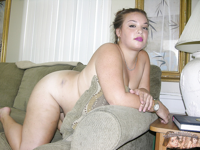 Amateur Freckled Face BBW Babe Spreads Her Dirty Ass - True Amateur Models